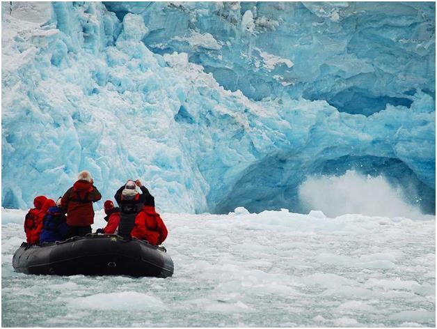 زيارة الى أرخبيل سفالبارد الجليدي، ويقع في المحيط المتجمد الشمالي في شمال قارة أوروبا