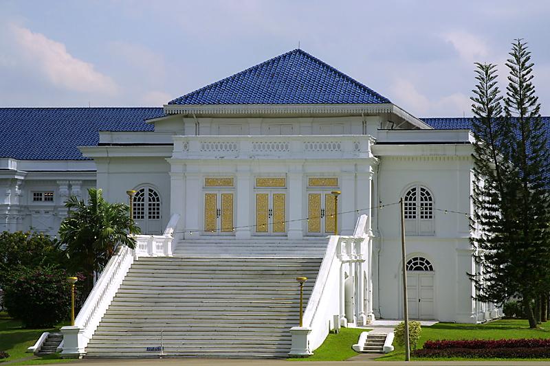 تقرير مصور حول قصر إستانا بيسار في ماليزيا