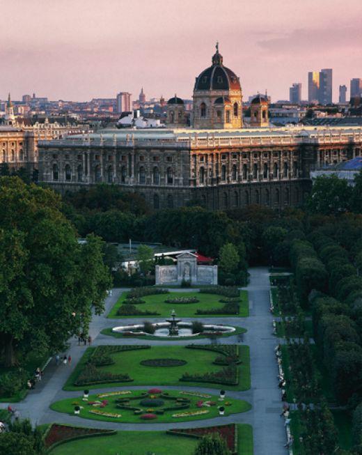 رحلة رومانسية كلاسيكية ذات طابع أوروبي فى فيينا