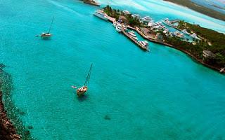 جزيرة لنكاوي قد حصلت على مجموعة من الجوائز كأفضل الأماكن السياحية في ماليزيا
