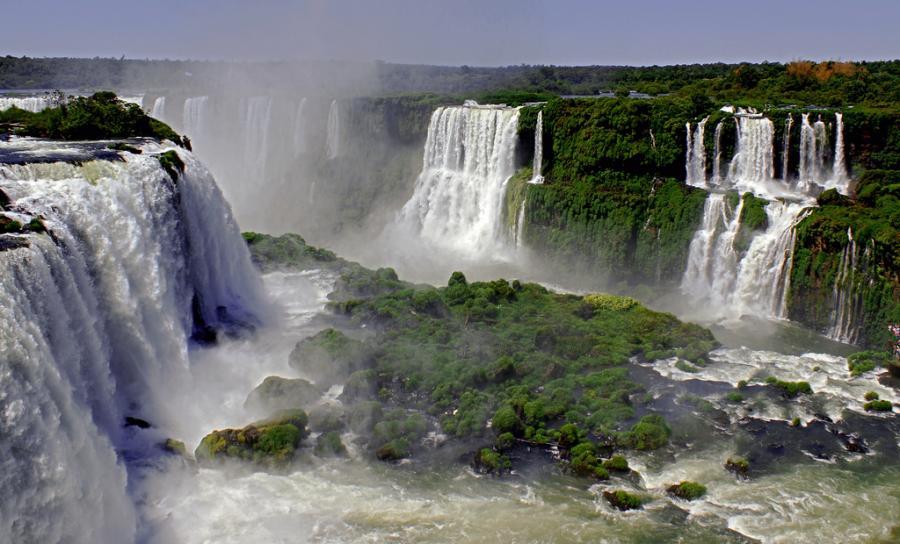 تقرير بالصور عن نهر الامازون