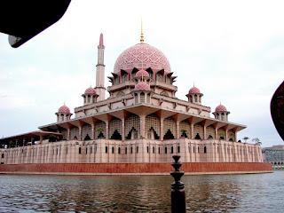 الروعة والجمال بماليزيا مدينة بوتراجايا لها سحر خاص