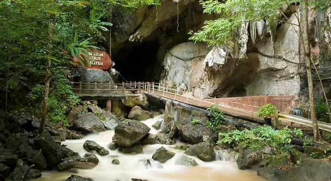 رحلة الى كهوف ماليزيا جوا كيلام 2 Gua Kelam 2