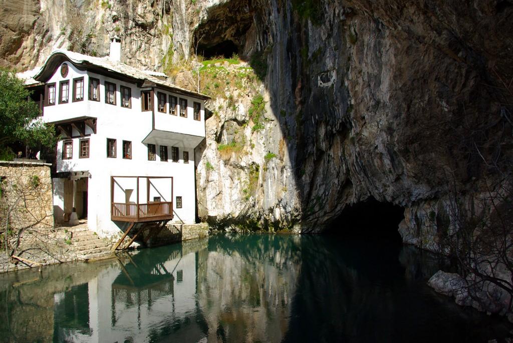 صورنبع التكيا في دولة البوسنة