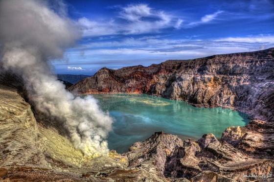 صوربركان آيجن في شرق جزر جاوا ( السياحة فى اندونيسيا )