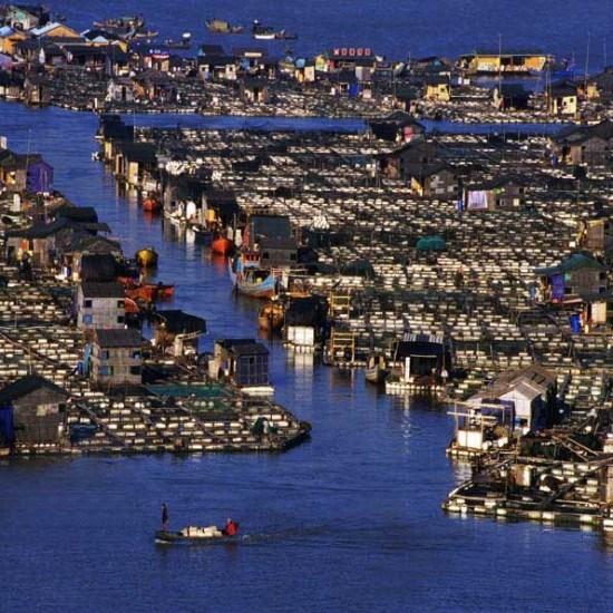 صور القرية الطافية في الصين