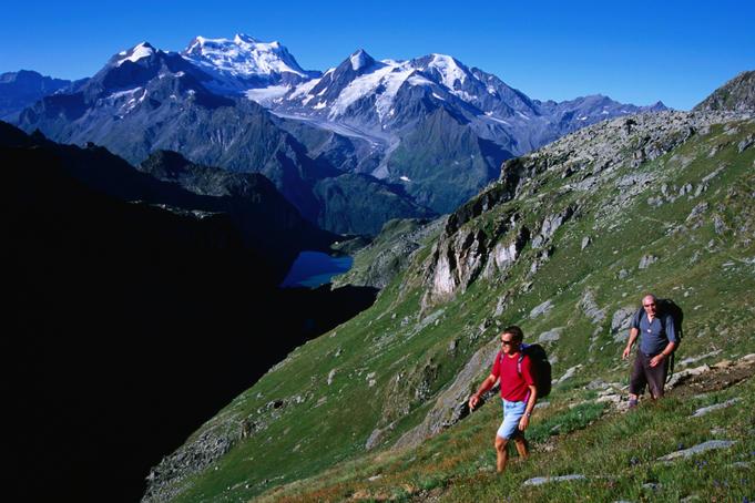 جولة سياحية على سويسرا وإيطاليا وفرنسا