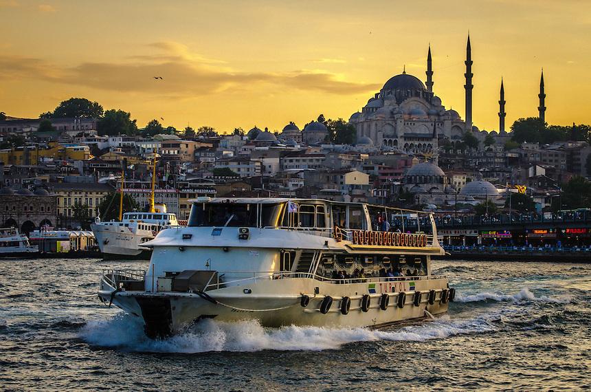 رحلات السفر الي تركيا للسياحى لمضيق البسفور