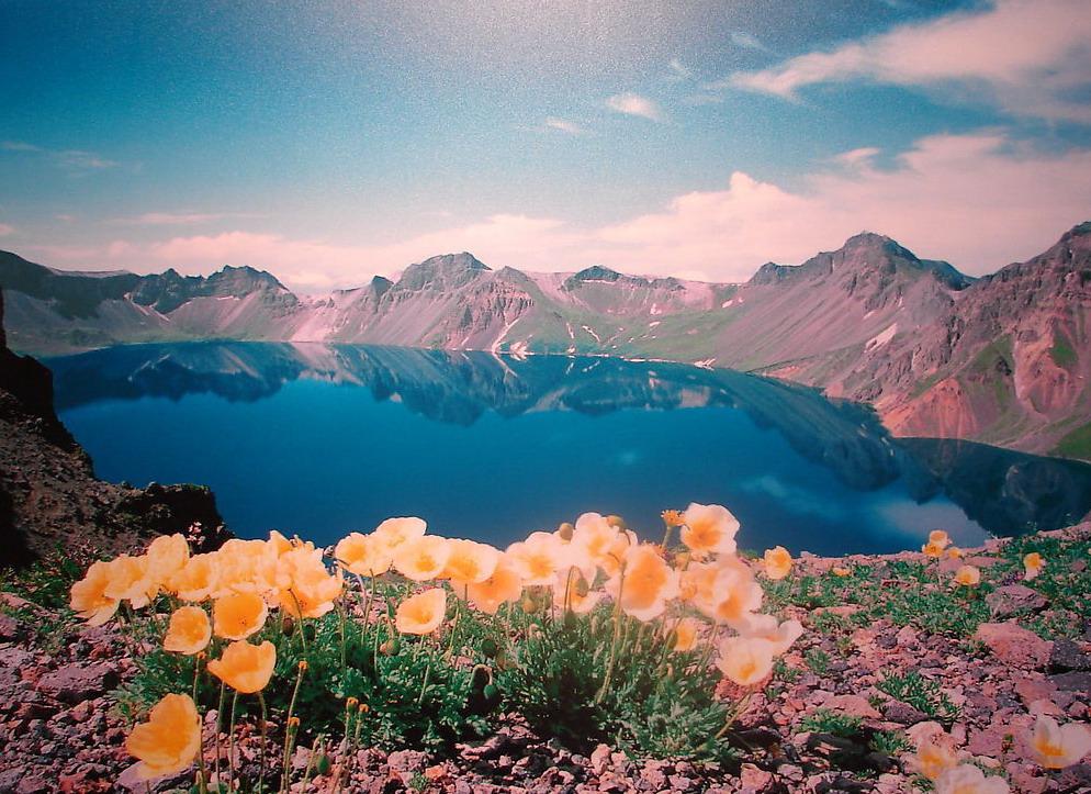 من معالم الصين السياحيه بحيرة تيانتشي Tianchi Lake