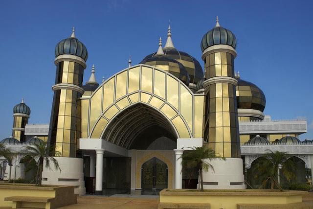 مسجد الكريستال نجم على الأرض فى ماليزيا