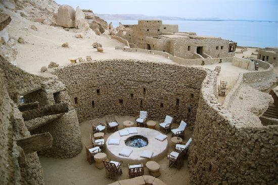 صورفندق مبني من الملح الحجري في واحة سيوة المصرية 2015