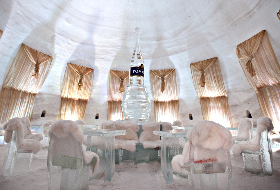 """صور """"الفندق الجليدي"""" بكندا"""