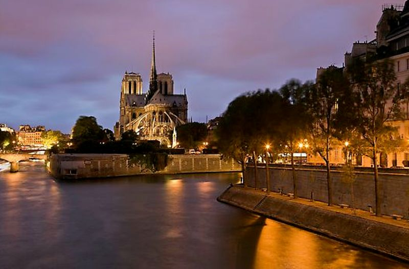 جولة في باريس عاصمة الجمال