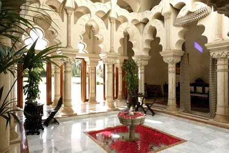مراكش الحمراء أو مدينة النخيل المغربيه