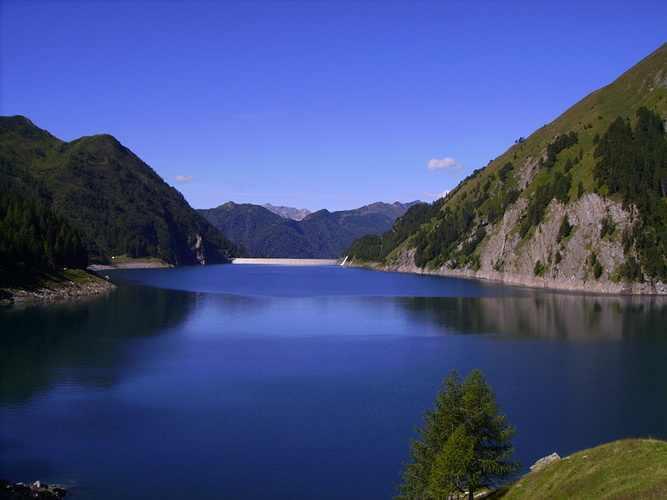 زيارة الى بلدة تيسينو في سويسرا بالصور