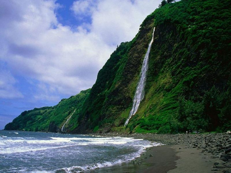 جزرهاواي ببحيراتها الزرقاء