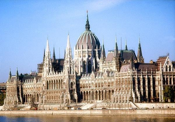 تقرير مصور عن رحلتى الى بودابست عاصمةهنغاريا
