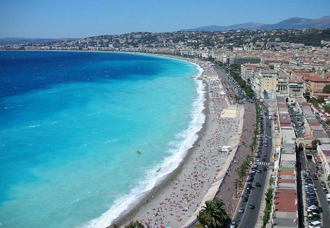 هل ترغب فى السفر الى فرنسا ؟