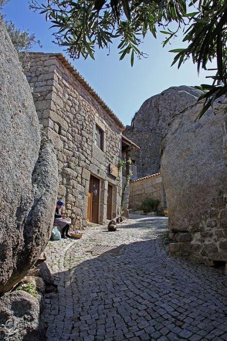 صور مدينة برتغالية على الصخور ( سياحة البرتغال 2015)