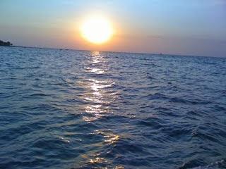 صورة غروب الشمس في شاطئ بانديجان جيبارا Bandengan Jepara