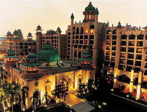 اجمل فنادق ماليزيا 2015 , فندق الخيول الذهبية 2015