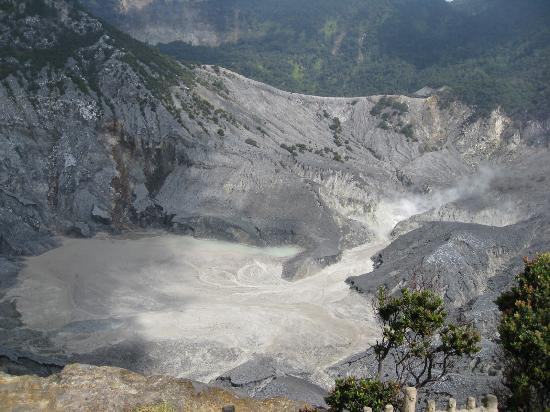 الاماكن السياحيه الرائعة فى اندونيسيا
