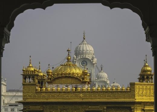 المعهد الذهبي أو الغوردوارا أو الهيكل الذهبي، يعتبر من أكبر المعالم الهندية