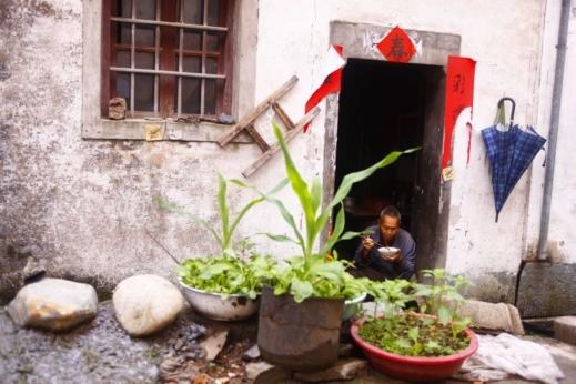 صور مميزة لقرية قديمة للغاية فى الصين