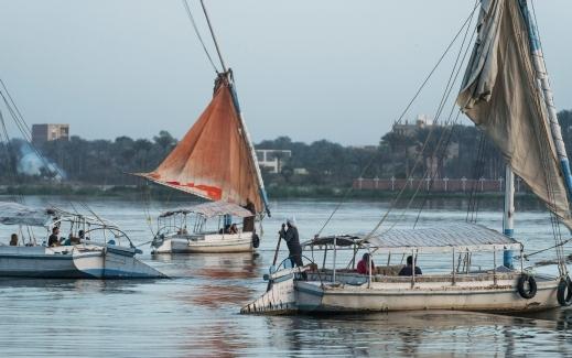 نهر النيل أطول أنهار الكرة الأرضية ( رحلات نهريه فى مصر )