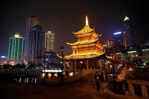 زيارة مصورة الى مدينة قوييانغ ( معلومات عن مدن الصين )