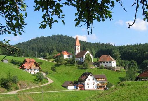 لمحة عن الغابة السوداء في قلب المانيا