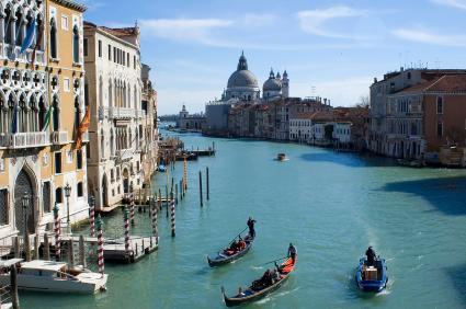 فينيسيا  هي الوجهة الأولى لعشاق الرومانسية