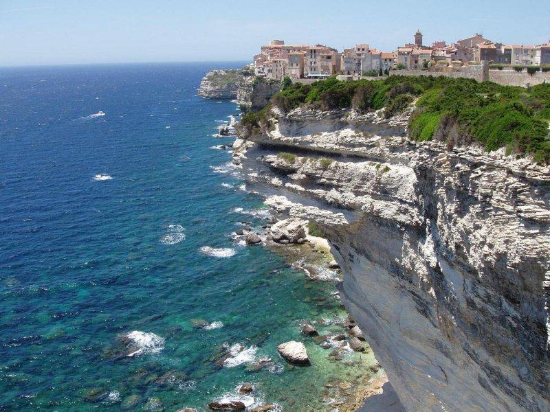 صور كورسيكا احد المناطق الجذابة في فرنسا