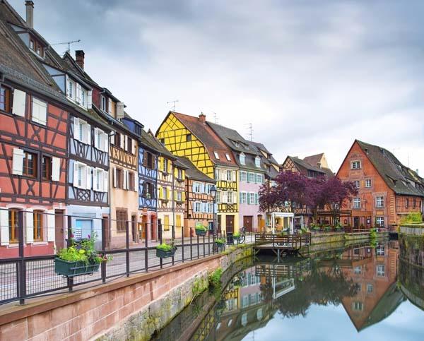 مجموعة من الصور لبلدان مفضل العيش والسياحة بها