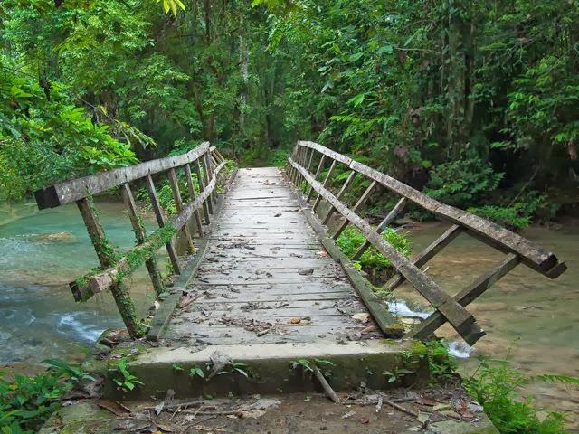 زيارة الى شلالات مورامو المذهلة فى اندونيسيا
