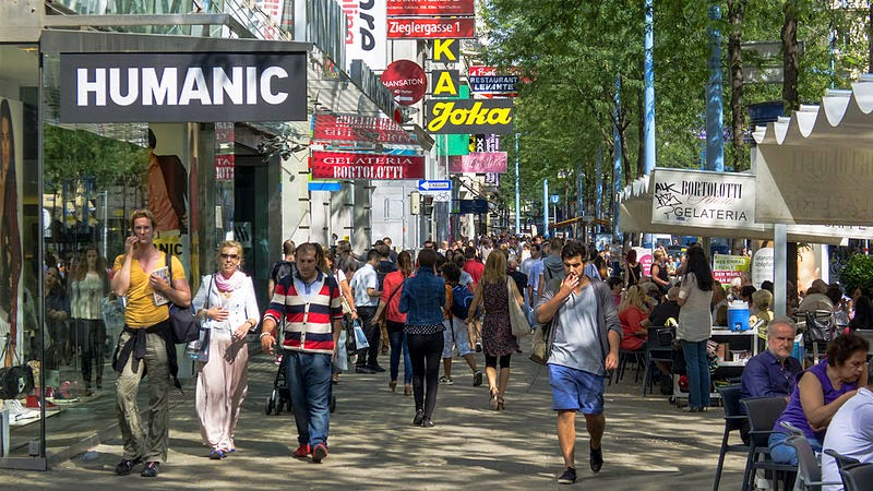 شارع ماريا هيلفر الأشهر في فيينا