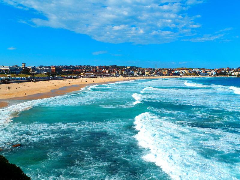 شاطئ بوندي في سيدني ، أستراليا