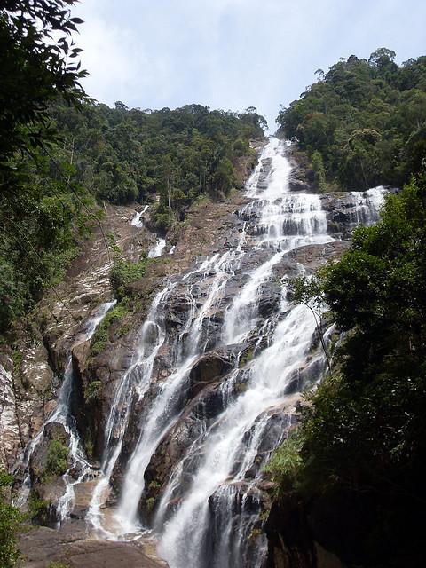 شلالات سيمرونغ في ماليزيا