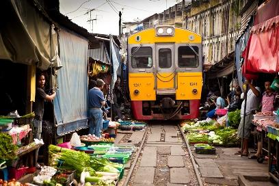 سوق الخضار في مدينه ميطلونج- تايلند - بالصور