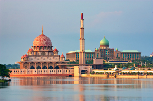 بوتراجايا ( Putrajaya ) اجمل وارقى المدن الماليزيه بالصور