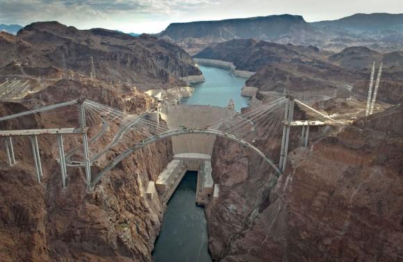 جسر سد هوفر في أمريكا - بالصور