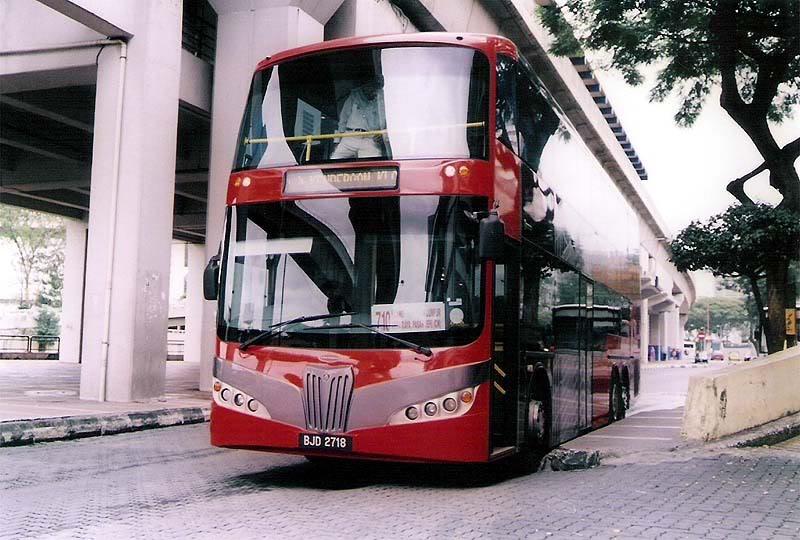 الطرق و المواصلات فى ماليزيا , القطارات و المطارات الماليزية