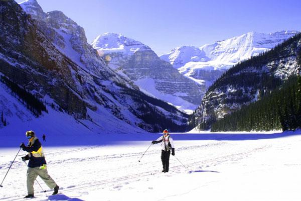 عشرة أماكن مذهلة لقضاء عطلة الشتاء